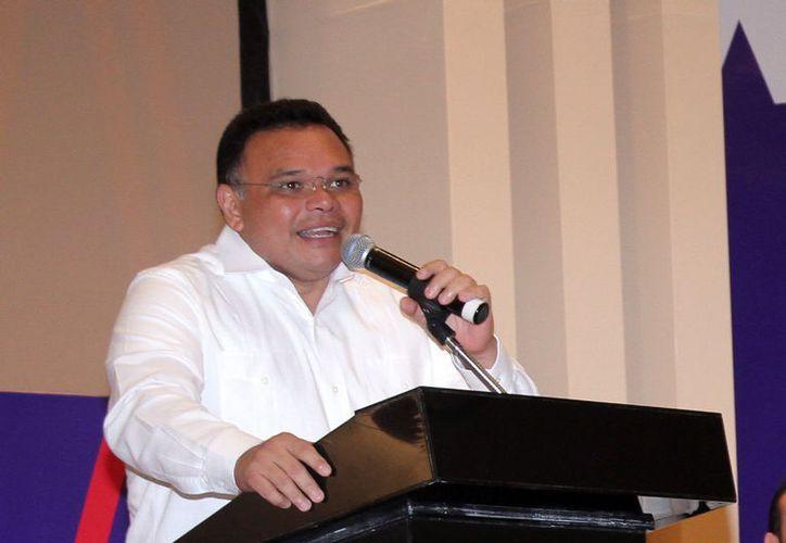 El Gobernador recordó programas impulsados por Víctor Cevera Pacheco. (Milenio Novedades)