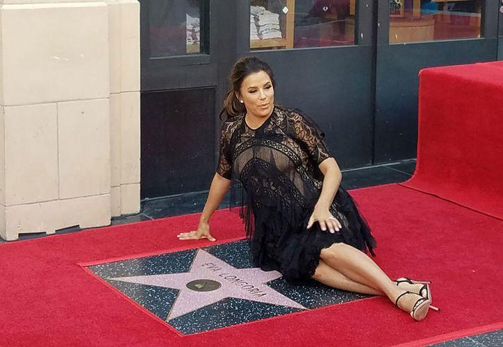 Eva Longoria está en séptimo mes de embarazo. (Notimex)