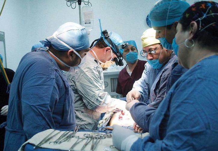 Padre e hijo fueron intervenidos en el Hospital 'Dr. Bernardo Sepúlveda Gutiérrez': la operación fue un éxito.(Imagen de referencia/asisucede.com.mx)