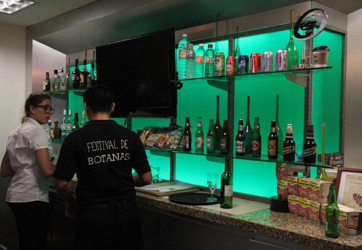 Visitarán los establecimientos que venden bebidas alcohólicas. (Luis Soto/SIPSE)