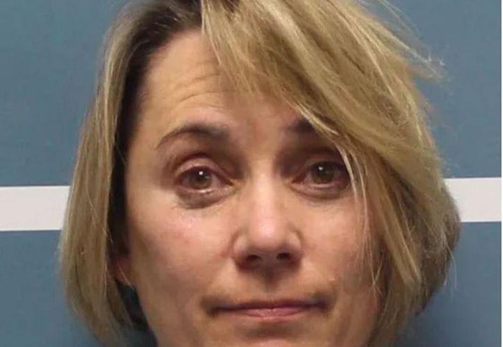 La profesora fue detenida por el uso de las tijeras. (Internet)