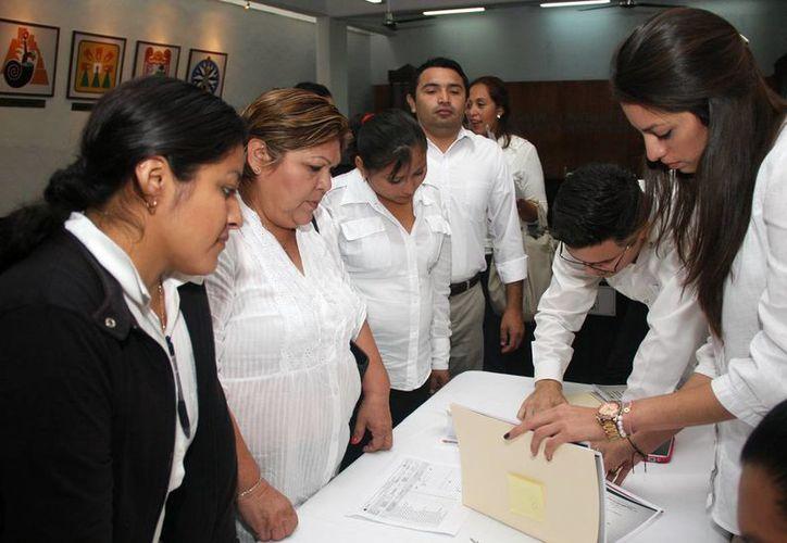Los participantes en los cursos recibieron sus constancias. (Cortesía/SIPSE)