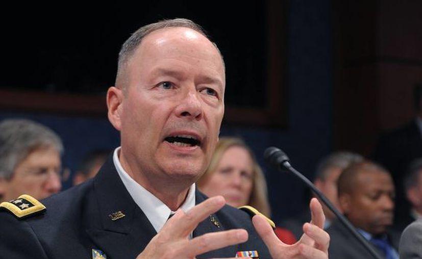 Keith Alexander, director de la NSA, negó que la inteligencia de EU tenga acceso a los servidores de dichas empresas. (Notimex)