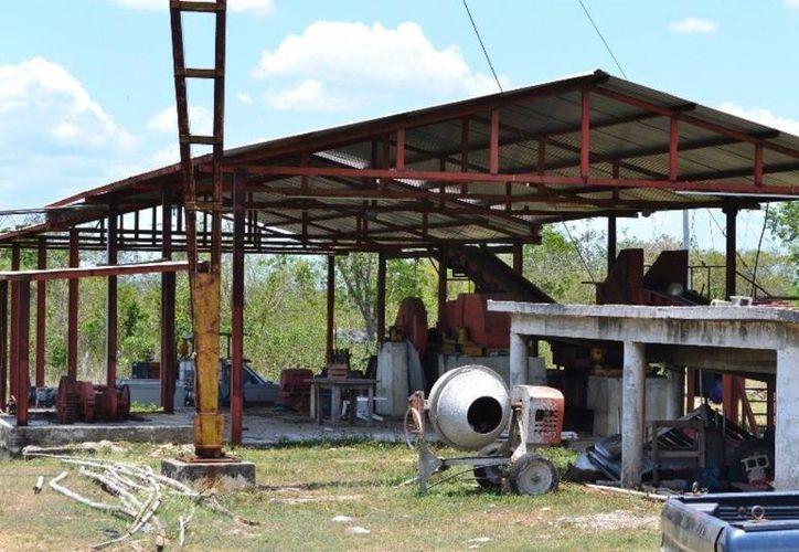 La industria del trapiche cumple casi siete años en el abandono. (Edgardo Rodríguez/SIPSE)