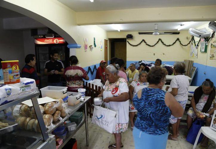 Los apoyos dejan beneficios en asistencia y desarrollo social. (Israel Leal/SIPSE)