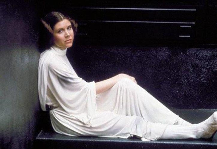 Esta es Carrie Fisher cuando interpretaba a la Princesa Leia a finales de los años 70 y principios de los 80. (Lucasfilm.com)