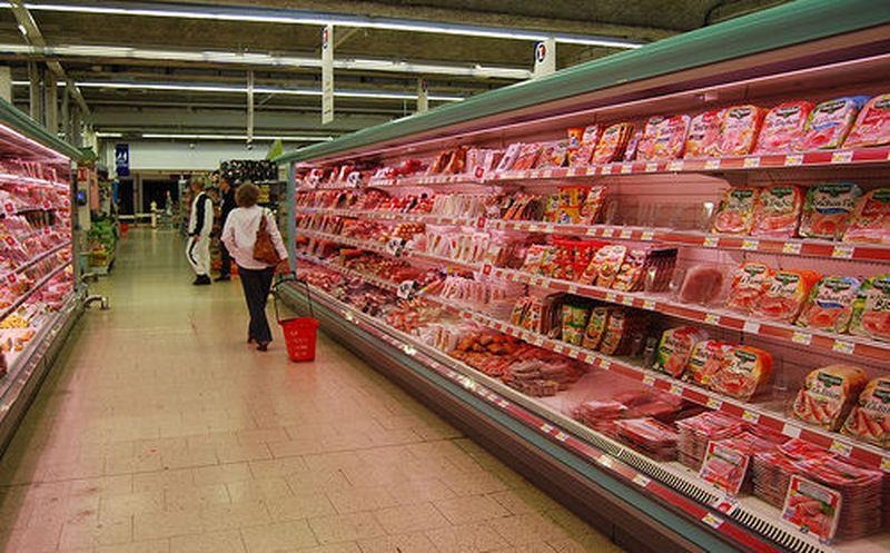 """Retiran 6.5M libras de carne ante posible contaminación por salmonella"""""""