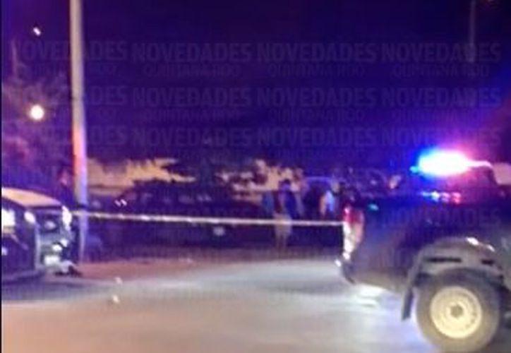 Testigos refieren que la víctima se encontraba en una cancha deportiva de los alrededores. (SIPSE)