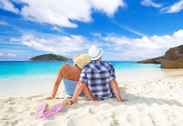 Escaparte con tu pareja para revivir o celebrar su amor será mejor en una bella playa de México. (Foto: Contexto)
