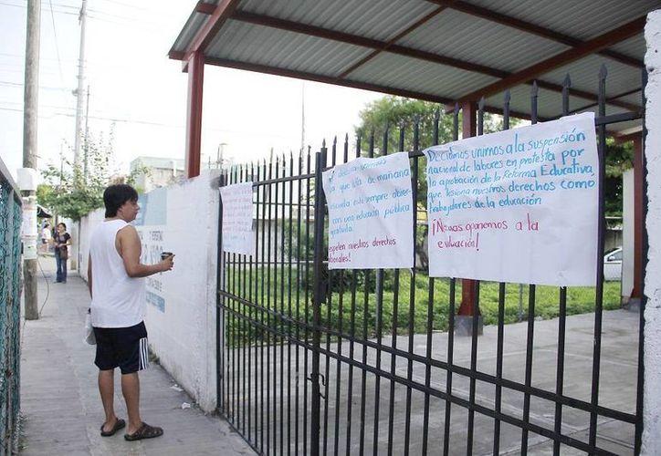 Desde el martes, algunas escuelas de Yucatán suspendieron labores, en protesta contra la reforma educativa. (Juan C. Albornoz/SIPSE)