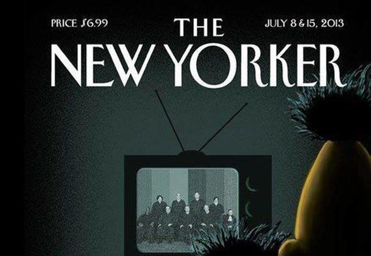 En la imagen se ve a Enrique y Beto abrazados frente a una televisión. (Milenio)