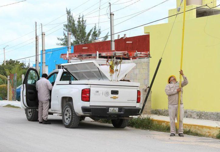 La CFE informó a los empresarios de un tramo de Paseo de Montejo que haría un corte de energía eléctrica a partir de 7 de la mañana de este miércoles, pero lo suspendió sin avisarles. (Imagen de contexto solo para fines ilustrativos. (Archivo/SIPSE)