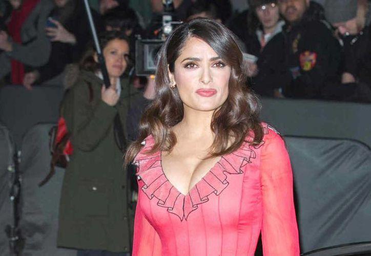 La actriz mexicana Salma Hayek será dirigida por el boricua Miguel Arteta en una cinta sobre una sanadora de medicina alternativa. (telemundo.com)