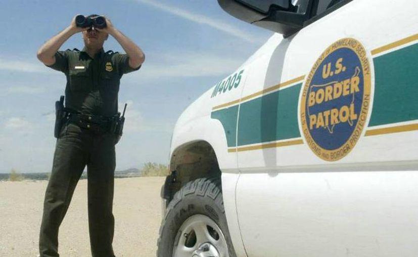 El agente fronterizo Joel Luna y quien estaba asignado a un puesto de inspección en Hebbronville, Texas, fue detenido en noviembre pasado como sospechoso de la muerte del hondureño José Francisco Rodríguez Palacios Paz. (Imagen de contexto de AP)