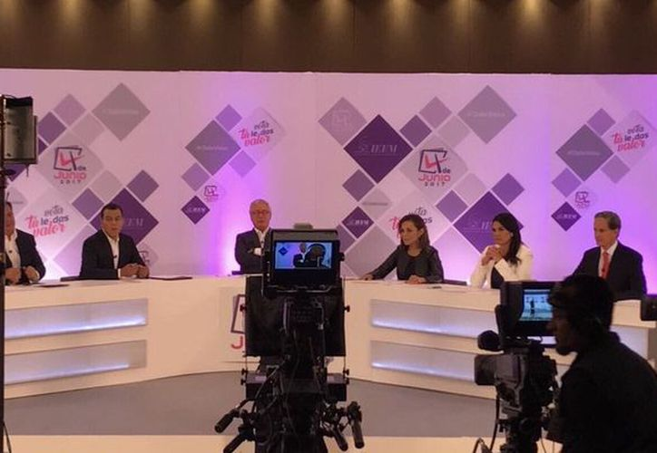 Seis candidatos a la gubernatura del Estado de México que participaron en un debate ayer. (Publímetro)