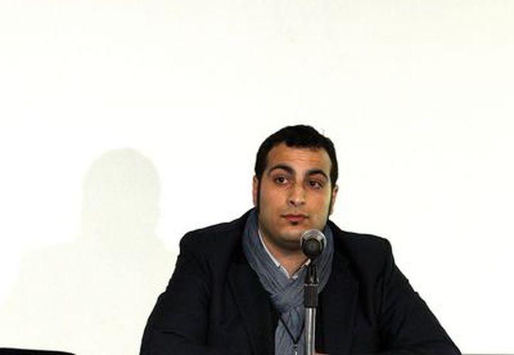 El sirio Jassin Swehat asiste hoy, viernes 7 de diciembre de 2012, a la Cumbre Mundial de Indignados, Disidentes e Insurgentes en Ciudad de México. (EFE)
