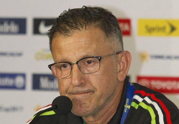 El técnico de la selección mexicana de fútbol se disculpó por el comportamiento que le costó la suspensión. (Milenio.com)
