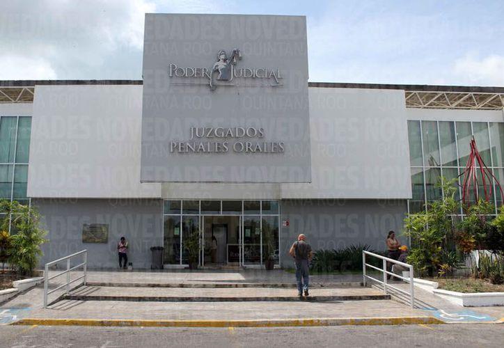 Ayer al mediodía se realizó la audiencia en las instalaciones de los juzgados. (Joel Zamora/SIPSE)