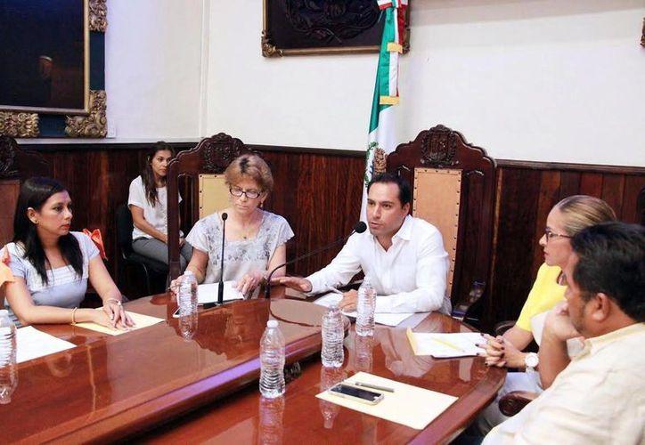 Imagen de la sesión de Cabildo, en la que se aprobó la integración de Mauricio Vila a la Asociación de Municipios Mexicanos. (Milenio Novedades)