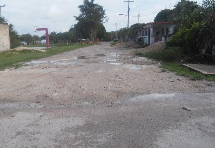 Existen muchos proyectos como la caseta de policía, pero no se ha puesto en marcha, acusan. (Carlos Castillo/SIPSE)