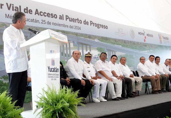 José Antonio Rodarte Leal, de la SCT, indicó que el Distribuidor Vial de Progreso estará listo en ocho meses. (Cortesía)