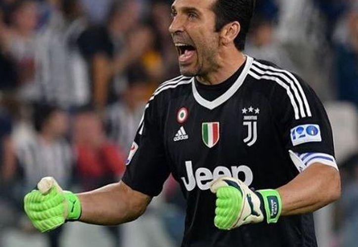 Buffon disputó 176 partidos con la selección italiana. (Instagram)