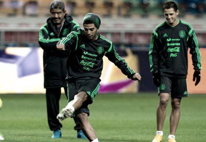 Carlos Vela y 'Chicharito' son los titulares en el partido de la Selección Mexicana contra Holanda (Mexsport)