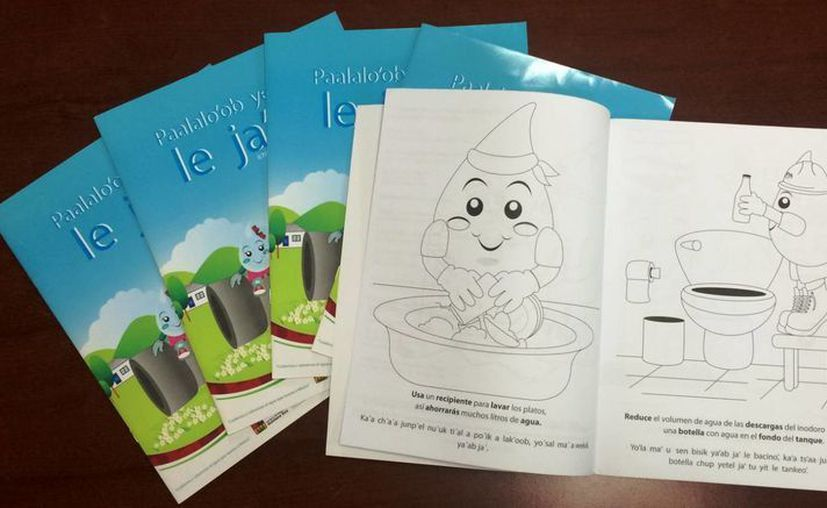 """Unen esfuerzos para la adaptación bilingüe del cuaderno para colorear """"Los niños y el agua en Quintana Roo"""". (Redacción/SIPSE)"""