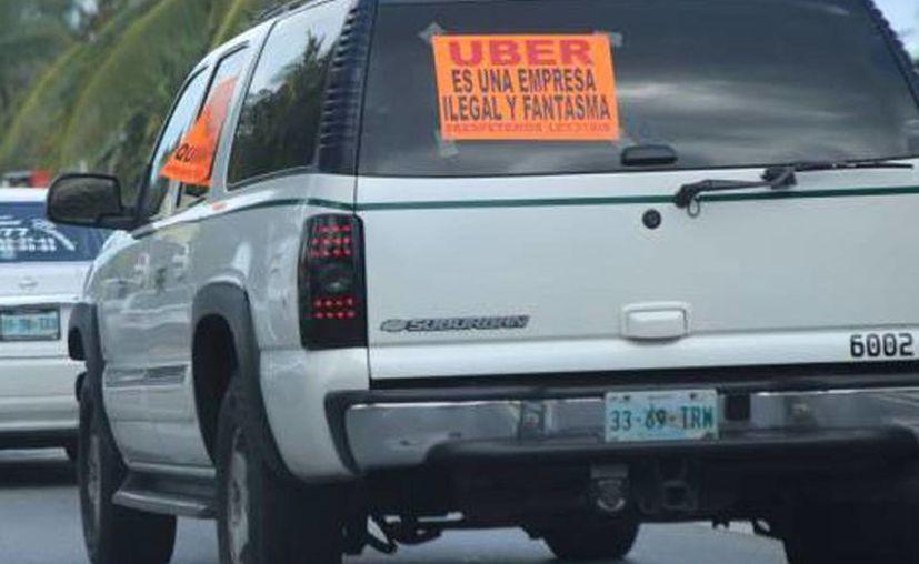 Reiteran que la empresa Uber labora ilegalmente. (Redacción)
