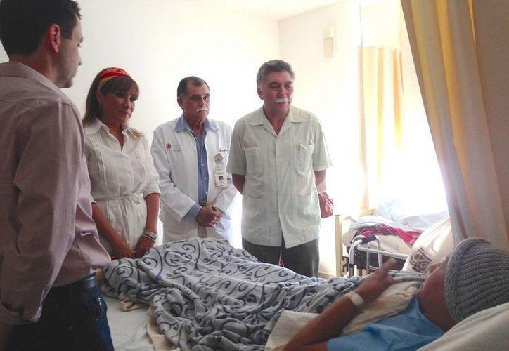 Diez personas fueron beneficiadas por la SESA con la implantación de prótesis de cadera o de rodilla. (Redacción/SIPSE)