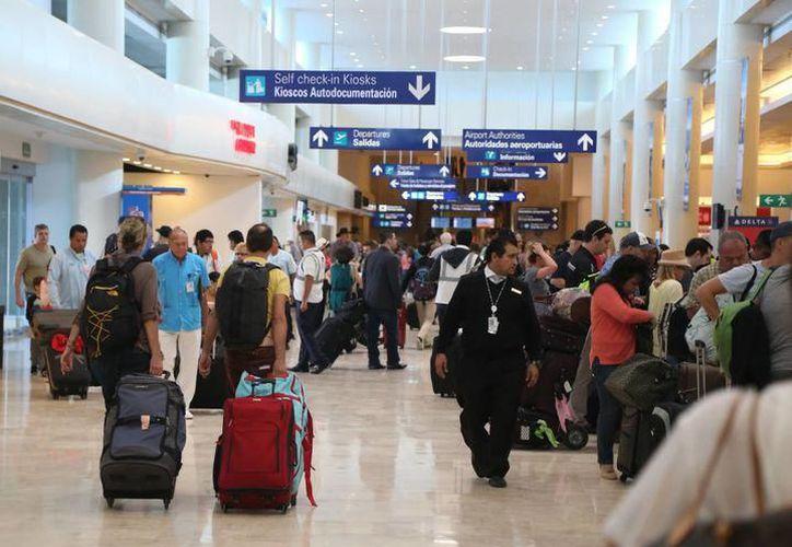 El Aeropuerto más cercano a Playa del Carmen lo encontrarás en Cancún. (Redacción/SIPSE)