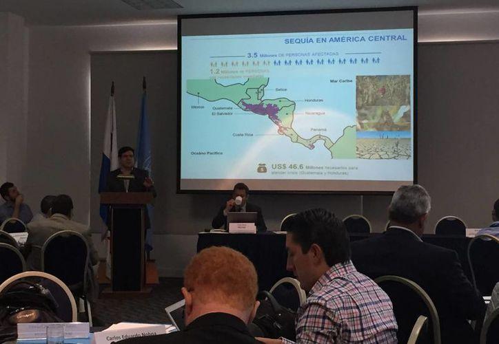Según expertos, el fenómeno de El Niño ha afectado a 3.5 millones de centroamericanos. Imagen de un foro sobre el tema, en Panamá, el 23 de octubre de 2015. (Archivo/Notimex)