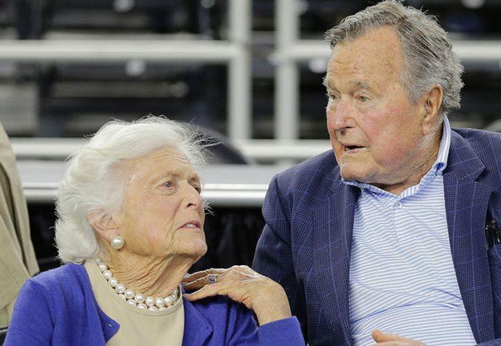 Barbara Bush es la única mujer, junto a Abigail Adams, que ha sido esposa y madre de presidentes de Estados Unidos. (Foto: Ambito Financiero)