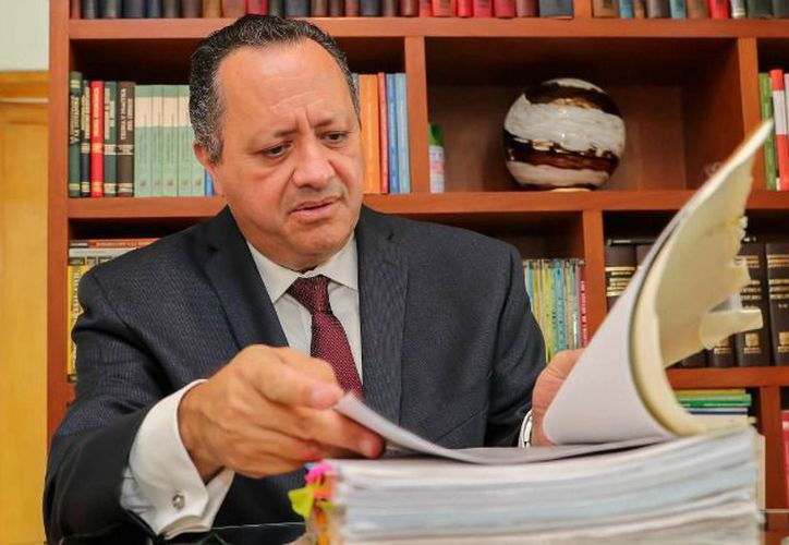 Rogelio Ruiz Irigoyen, abogado de José María González, exrepresentante de Pumas. (Récord)