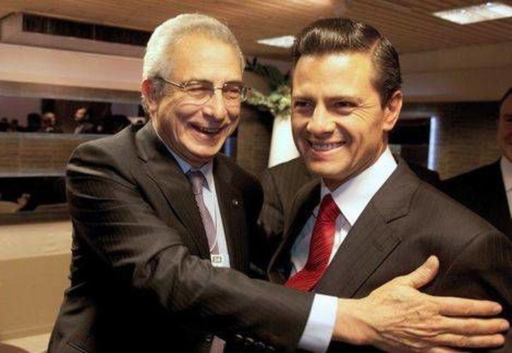 El presidente Enrique Peña Nieto y Ernesto Zedillo se encontraron en el Foro Económico Mundial de Davos, Suiza. (Especial/MILENIO)