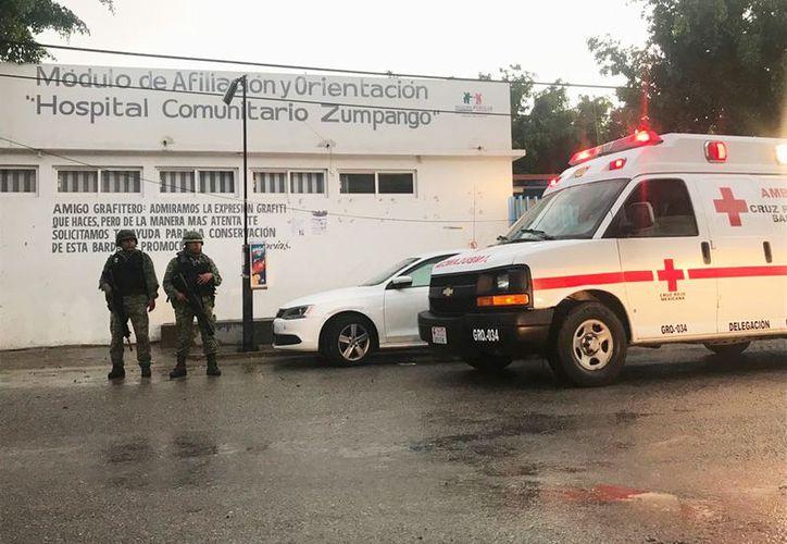 Señalaron que hubo varios heridos que fueron trasladados al Hospital. (suracapulco.mx)