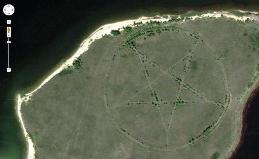 Los internautas ya han vinculado el sitio con la adoración al diablo o nefastas sectas religiosas. (googleearth)