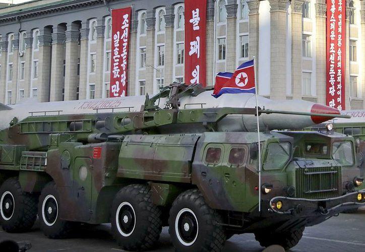 Corea del Norte lanzaría este viernes un misil balístico para conmemorar el aniversario de su fundador. (AP)
