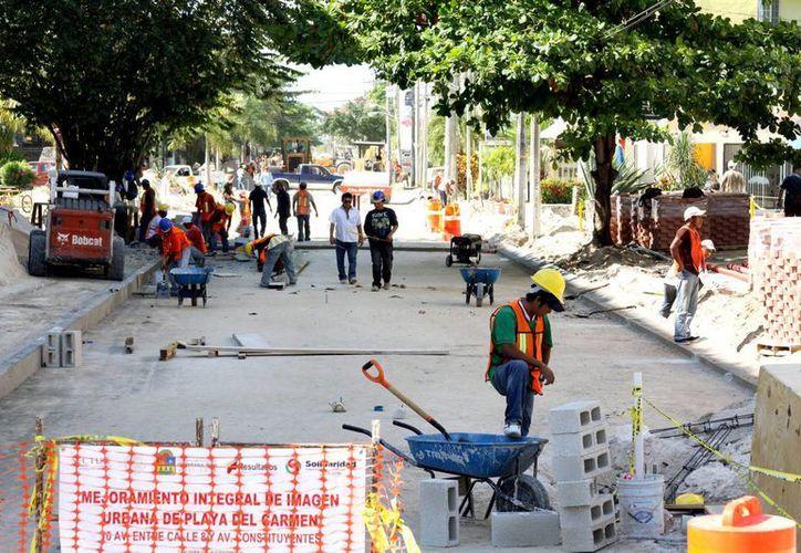 Registra avance la remodelación de la Décima Avenida. (Adrián Monroy/SIPSE)