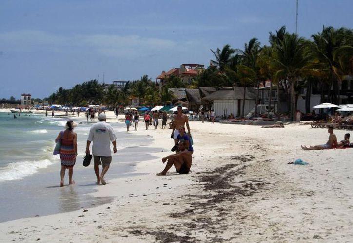 La falta de una estrategia sólida para el manejo costero ha permitido que hoteles y empresas impacten el litoral de la Riviera Maya. (Archivo/SIPSE).