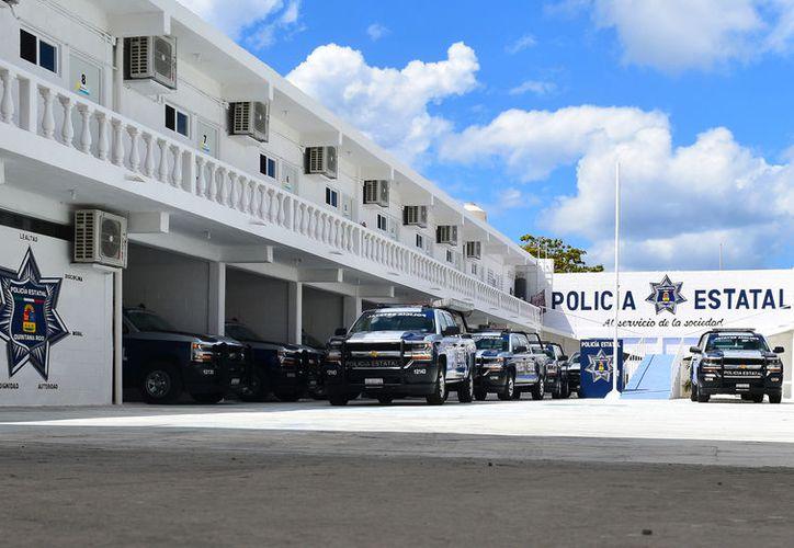 Las patrullas de la Policía Estatal esperan entrar en operación, pues está pendiente un trámite del Ayuntamiento. (Foto: Gustavo Villegas/SIPSE)