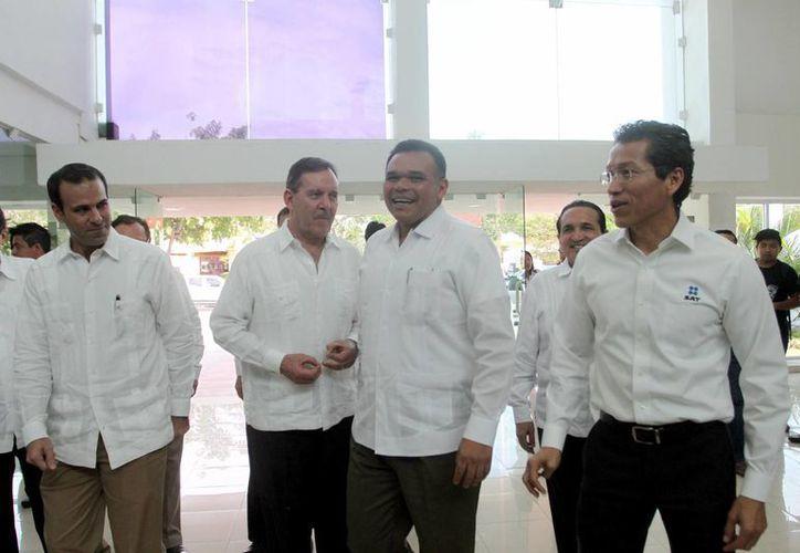 """El gobernador Rolando Zapata estará este miércoles en la presentación de la """"Estrategia Digital Yucatán"""" y en la toma de protesta de la directiva regional sureste de la Canieti. (Milenio Novedades)"""