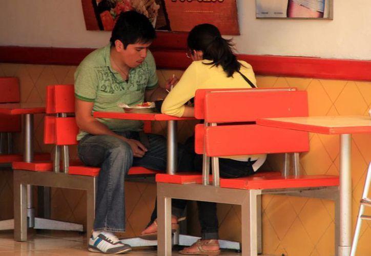 El sector restaurantero buscará este año la profesionalización de todo el ramo. (José Acosta/SIPSE)