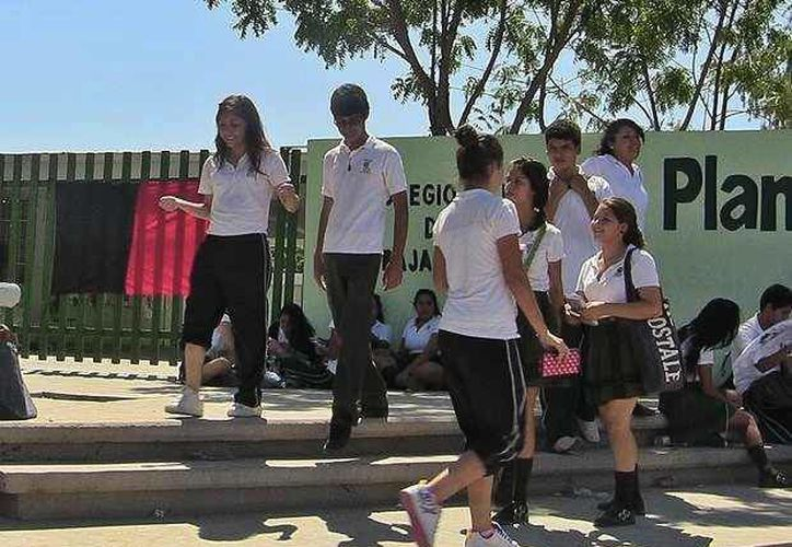 Miles de jóvenes regresarán a tomar clases esta misma semana. (Archivo/SIPSE)