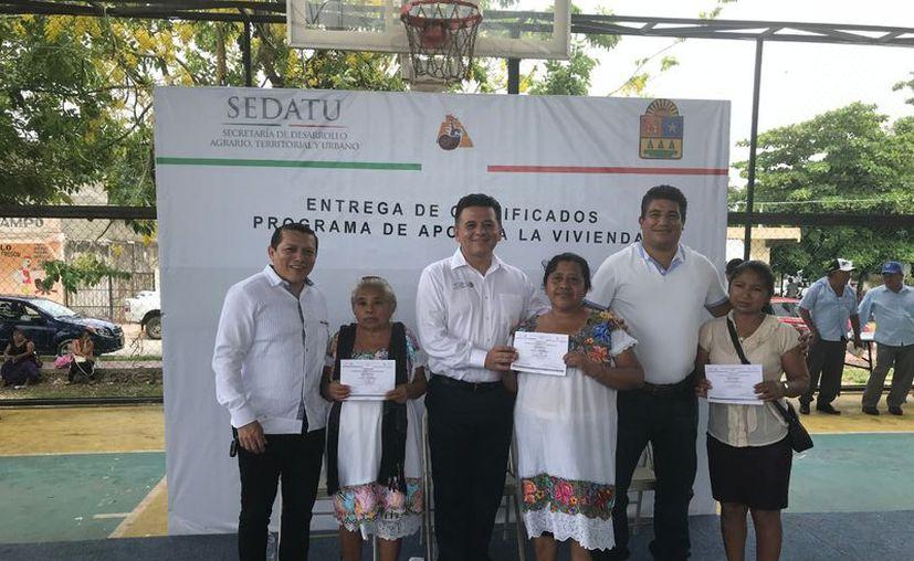 Freddy Marrufo Martín, delegado de la Sedatu  informó que la cantidad de apoyos fue de 15 millones de pesos. (Ángel Castilla/SIPSE)