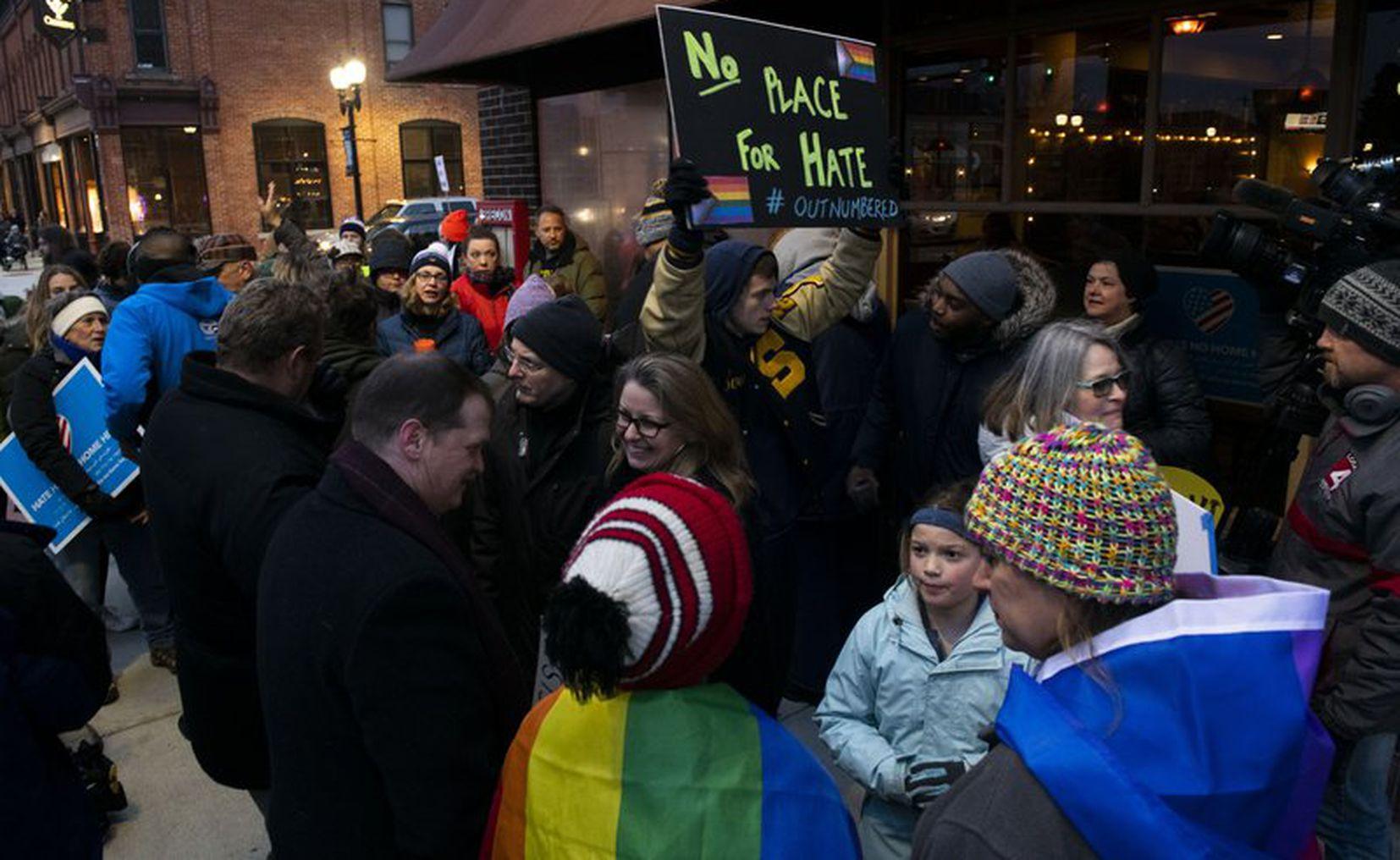 Protesta en Michigan tras expresión racista contra mexicanos