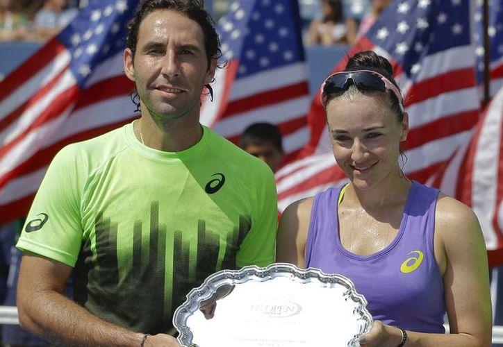 Aunque lucharon para llevarse el US Open, los tenistas Santiago González y Abigail Spears, tuvieron que conformarse con el subcampeonato. (AP)
