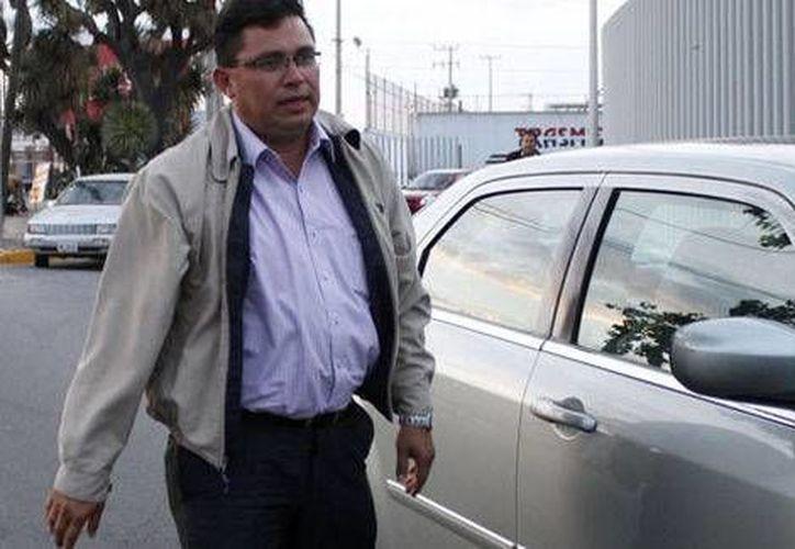 Marco Antonio Rico Mercado, secretario general del PRD: hay un grave peligro de que la derecha empiece a avanzar en sus propósitos de despojar los bienes de la nación. (Milenio)
