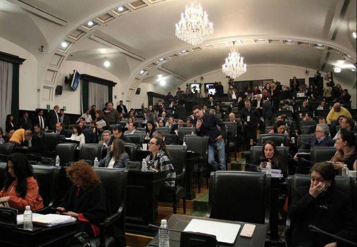 La Asamblea Legislativa deberá redactar leyes secundarias sobre los procedimientos e instituciones electorales que resultarán aplicables al proceso electoral 2017-2018. (twitter.com/ferbayardo)