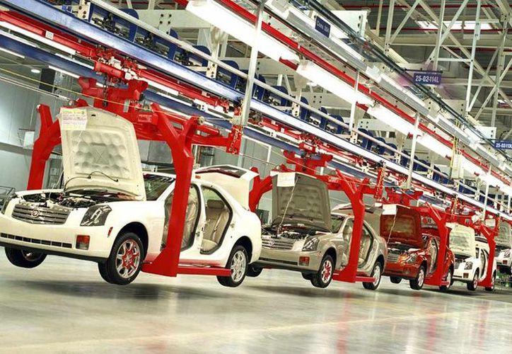 La producción de vehículos ligeros estuvo compuesta con 40 por ciento de automóviles. (Contexto/Internet)